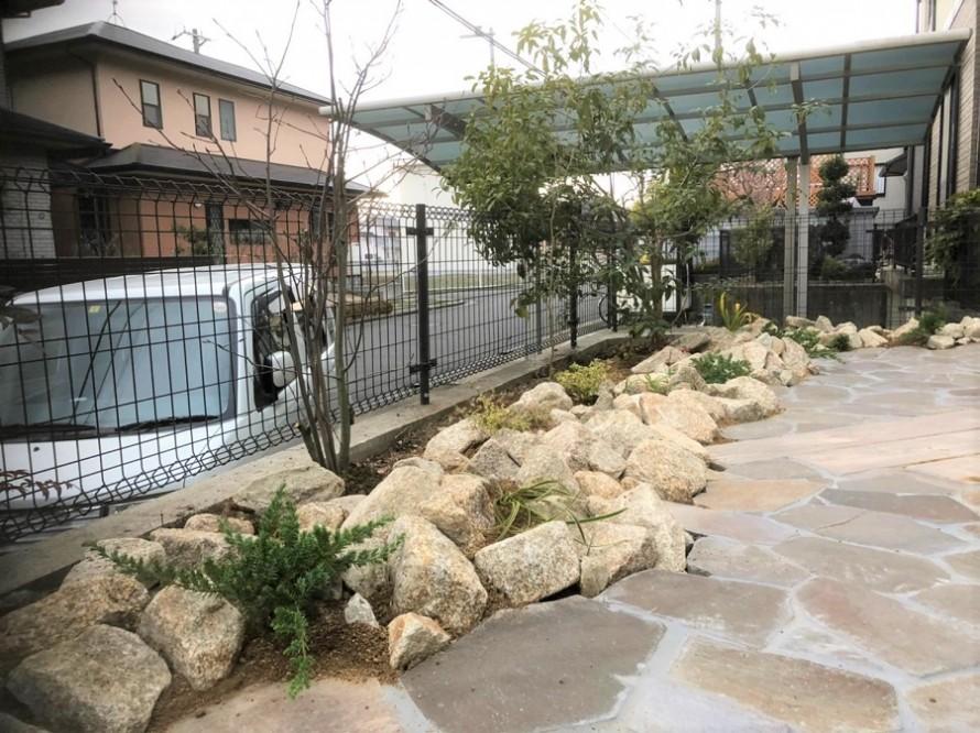 庵治石を使った庭