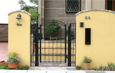 Art-Gate-4